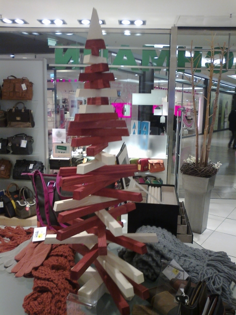 Wood christmas tree, interesting design for a decorative tree, forum duisburg, at Deichmann's