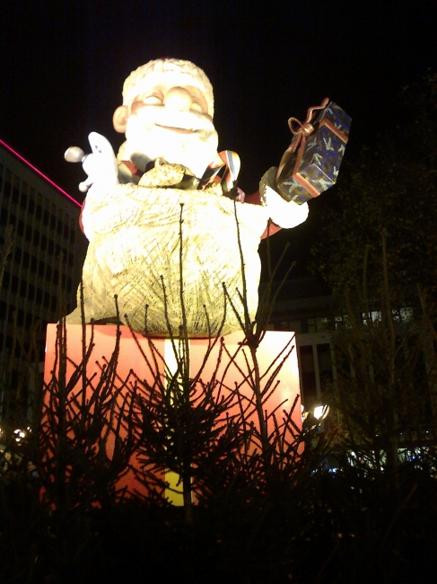 Giant Santa, Christmas Market Duisburg, Kö