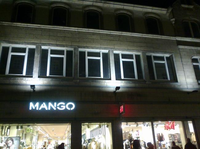 Mango Altstadt and the empty windows above,