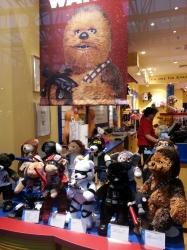 Star Wars Merch @ Buil...