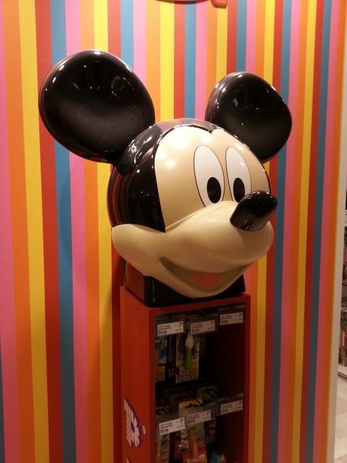 Mickey Mouse im Kaufhof,
