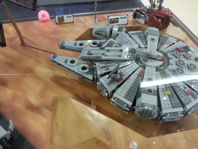 Millenium Falcon LEGO,