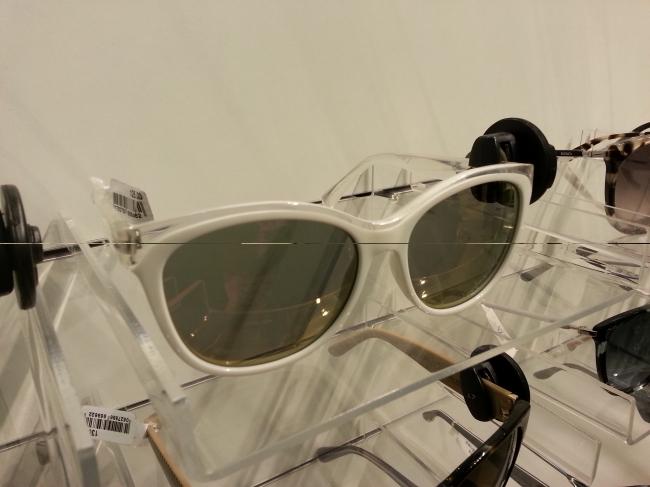 Sonnenbrille in weiss und acryl klar, Marc Jacobs @ Kaufhof Kö