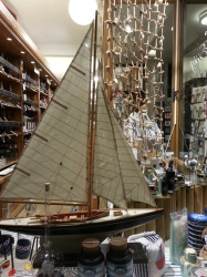 Segelschiff-Modell in ...