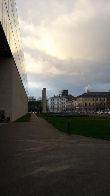 HFF zur TUM (die Turmuhr wird renoviert), Hochschule für Fernsehen und Film München
