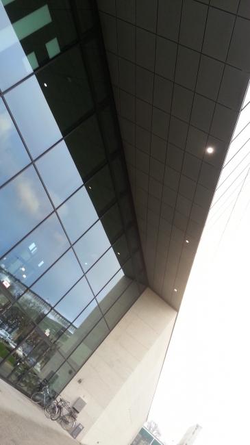 HFF Foyer Glaswand, Hochschule für Fernsehen und Film München