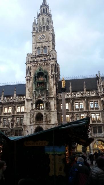 Marienplatz, mit Weihnachtsmarkt