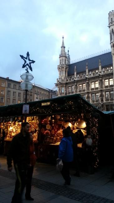 Weihnachtsmarkt am Marienplatz,