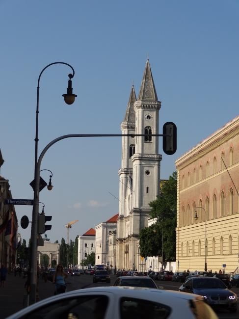 Kirche St. Ludwig an der Schellingstraße,