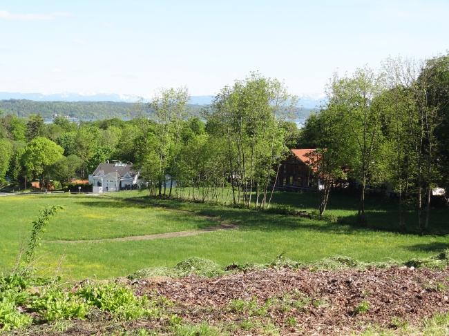 Leerer Grund am Starnberger See in der Nähe von München,