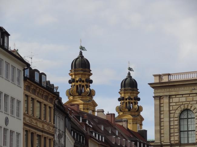 Türme der Theatinerkirche, München