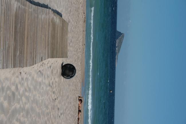"Steg und Insel hochkant, ""Isla Benidorm"""
