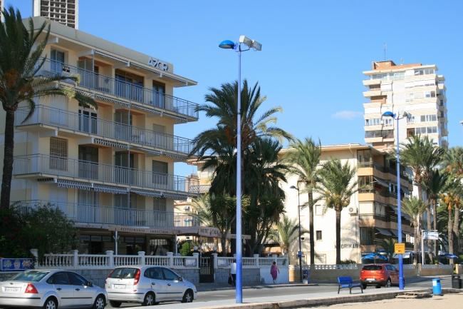 IMG_09961_Playa de Poniente_Edif. AZOR.JPG, AZOR und Madrimar
