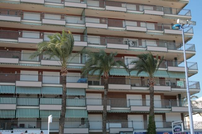 IMG_09965_Playa de Poniente_Balkons.JPG, Emperatriz B
