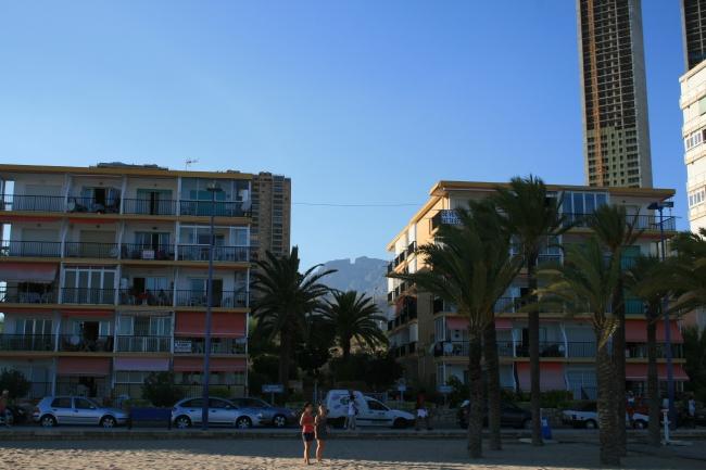 IMG_09983_Playa de Poniente.JPG, Edif. Neptuno und Triton