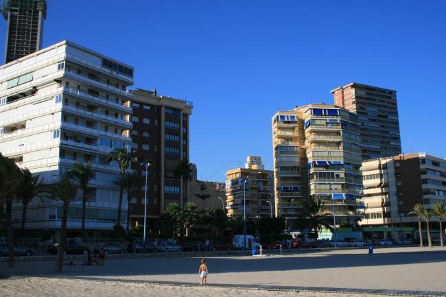 IMG_09984_Playa de Poniente.JPG, Edif. Villa Cala, La Vieja