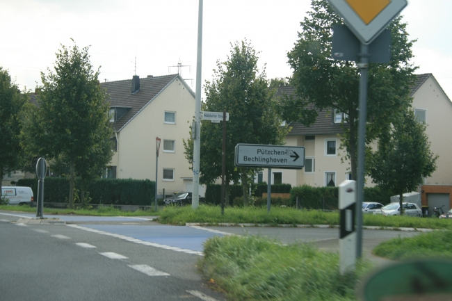 Ecke Müldorfer Straße in Bonn, Richtung Pützchen