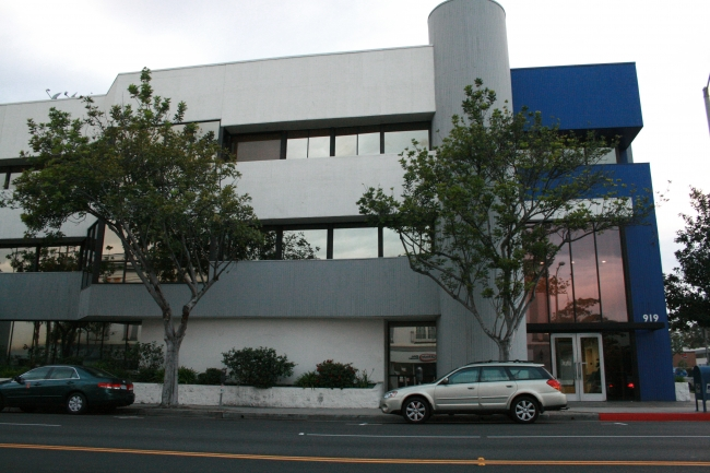 919 Santa Monica Blvd. Santa Monica, CA 90401, Lightstorm Entertainment's former office administrative space in Santa Monica