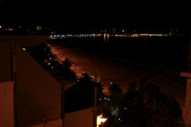IMG_10029_Beim Hotel Dorrada_Ausblick.JPG, Blick über Poniente und La Cala vom Mont Benidorm, dunkler