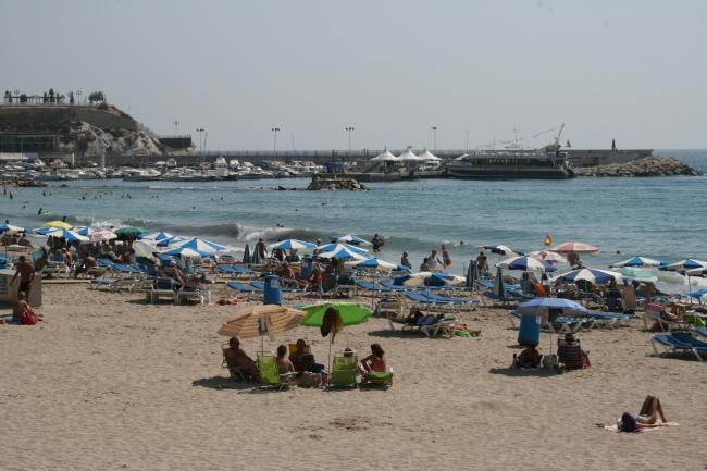 Strand am Hafen von benidorm,