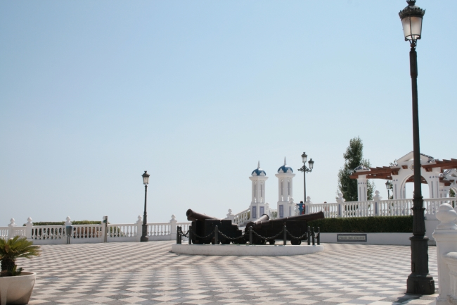 Place with canons in front of the Castel de Benidorm,