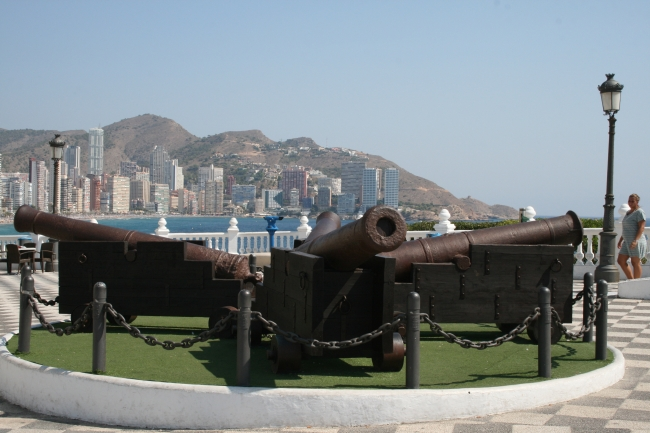 Canons at the castel,