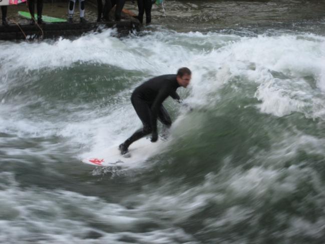 Surfer am Eisbach,