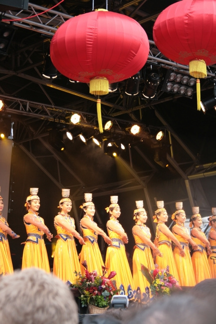 Yellow dresses, and red lanterns