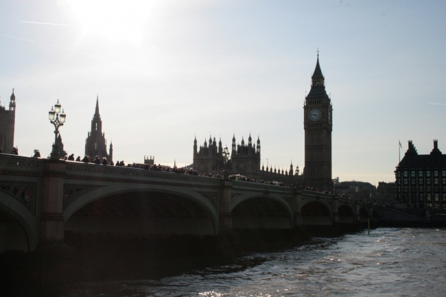 Brdige and Big Ben, as seen from the promenade near McDonald's