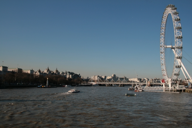 The river Thames and London Eye, as seen from the middle of the bridge to Westminster