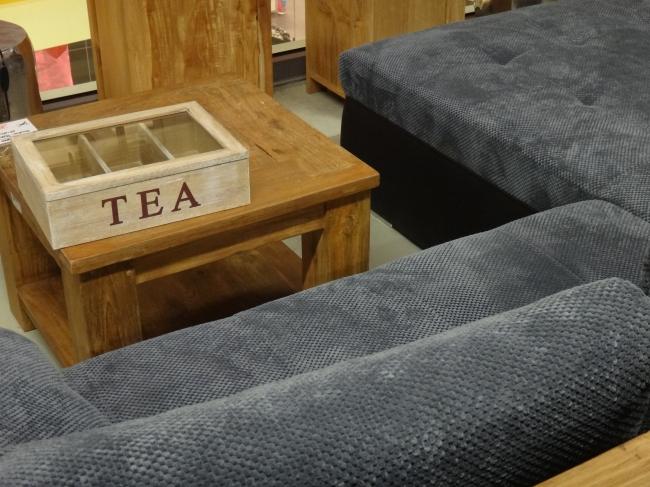 Tee Kiste und Couch Tisch,