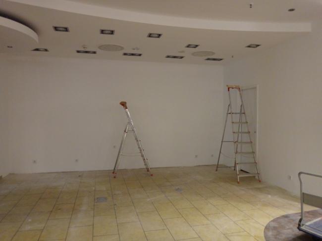 Zwei Leitern, Baustelle in der Buchhandlung