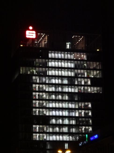 Sparkassen HQ, Feier im obersten Stock