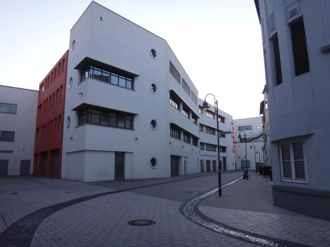 Ausgestorbene Gasse hinter dem Neubau der Sonnenwallpassage/ ehem. Galeria, Abzweig von der Kuhstraße