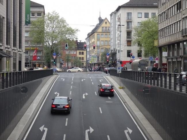 Ausgang des neuen Tunnels am Kö-Bogen Richtung Altstadt,
