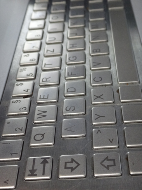 QWERTZ metal keyboard,