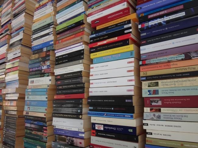 Lots of book backs on Büchermeile,