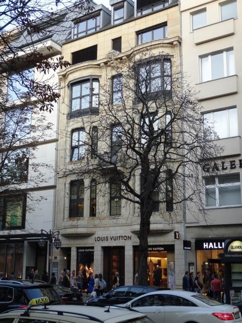 Louis Vuitton, Kö Düsseldorf, Geschäftshäuser