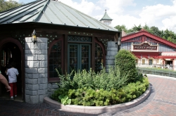 Toad Hall restaurant d...