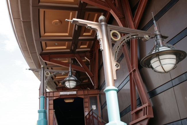 Space Mountain dome roofing detail and lamps, great, great Imagineering!