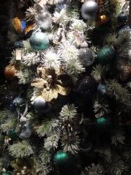 Christmas tree decorat...